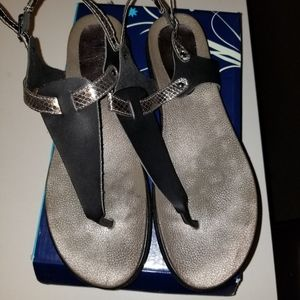 Rogue Sandals